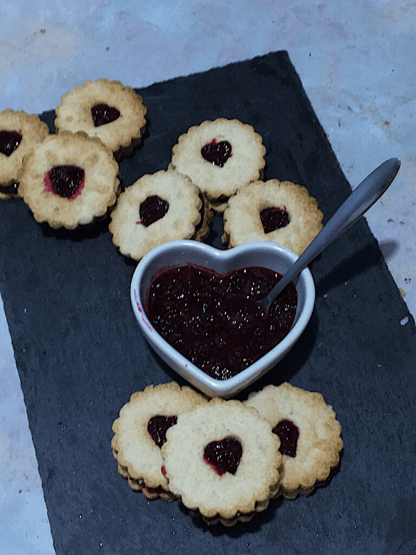 3 piles of jammie dodgers with jam
